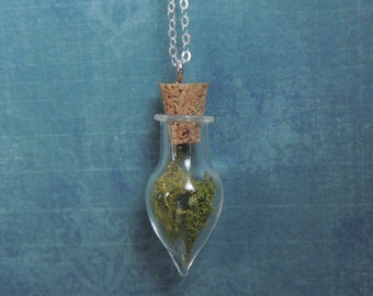 Real moss necklace, glass terrarium jewelry, mini terrarium necklace, real plant jewelry, moss pendant, glass vial jewelry, eco friendly