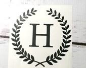 Blé initiale unique Couronne vinyle sticker Laurel bordure petit autocollant initiale vinyle lettre (monogramme)