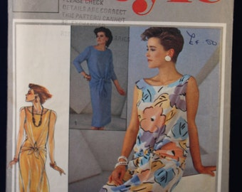 Vintage Sewing Pattern for a Woman's Top & Skirt in Size 12 - Style 4437