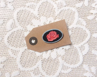 Oval vintage rose pin [hand drawn]