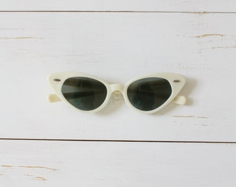 Vintage 50s Sunglasses/ 1950s Ray Ban Sunglasses/ White Ray Ban Cat-eye Sunglasses