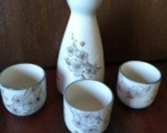 Japanese Sake Set, 4 Piece Sake Set, Floral Sake Set, Porcelain Sake Set, Etched Flowers, Blue Sake Set, Pastel Sake Set