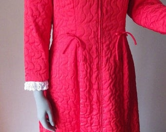 1960s Quilted Robe Flo Weinberg Robe Red Quilted White Lace Small