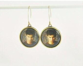 Taylor Lautner,Twilight Saga, twilight's team jacob, twilight saga jewelry, metal earrings, hoop earrings, dangle earrings, long earrings