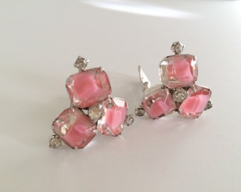 SALE  Gorgeous Pair Of Vintage Pink Art Glass Clip On Earrings