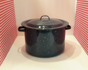 Blue Speckled Enamelware Stock Pot, Vintage Enamelware, Dutch Oven, Vintage Kitchen, Farmhhouse, Canning Pot