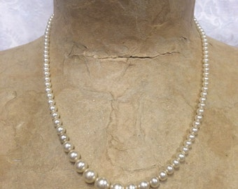Vintage Faux Ivory Colored Pearl Necklace 18 Inches