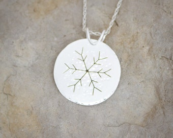 Snowflake pendant in sparkling sterling silver