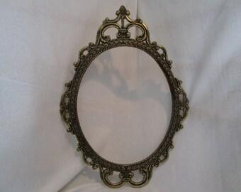 Picture Frame, Frame, Vintage frame, Open frame, Gold frame, Oval frame, Gallery frame, Open metal frame, Wall decor, Midcentury decor