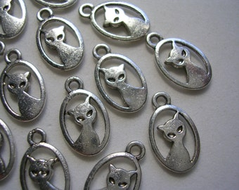Pretty Kitty Cat Charms Silver Charms Animal Charms Cute Double Sided Dangles Antiqued Silver Cat Charms 20 Very Cute Detailed Kitty Charms