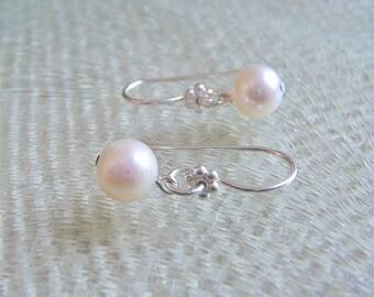 Pearl earrings, Pearl and sterling silver dangle earrings, minimalist bridal earrings, dainty pearl earrings, freshwater pearl drop earrings