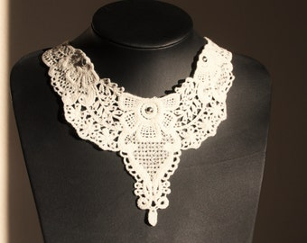 White lace necklace with silver pebbles