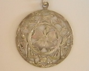 Sterling Silver Mexico Round Flower Pendant Necklace