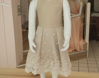Bridesmaid or baptism dress in beige embroidered tulle and iridescent beige polyester.