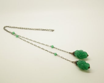 """Art Deco Necklace, Lariat Necklace, Green Necklace, Silverplate Lariat """"Artichoke"""" necklace with green glass beads, c.1930"""
