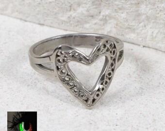 Sterling Silver - Filigree Open Heart 2g - Ring (5.75)