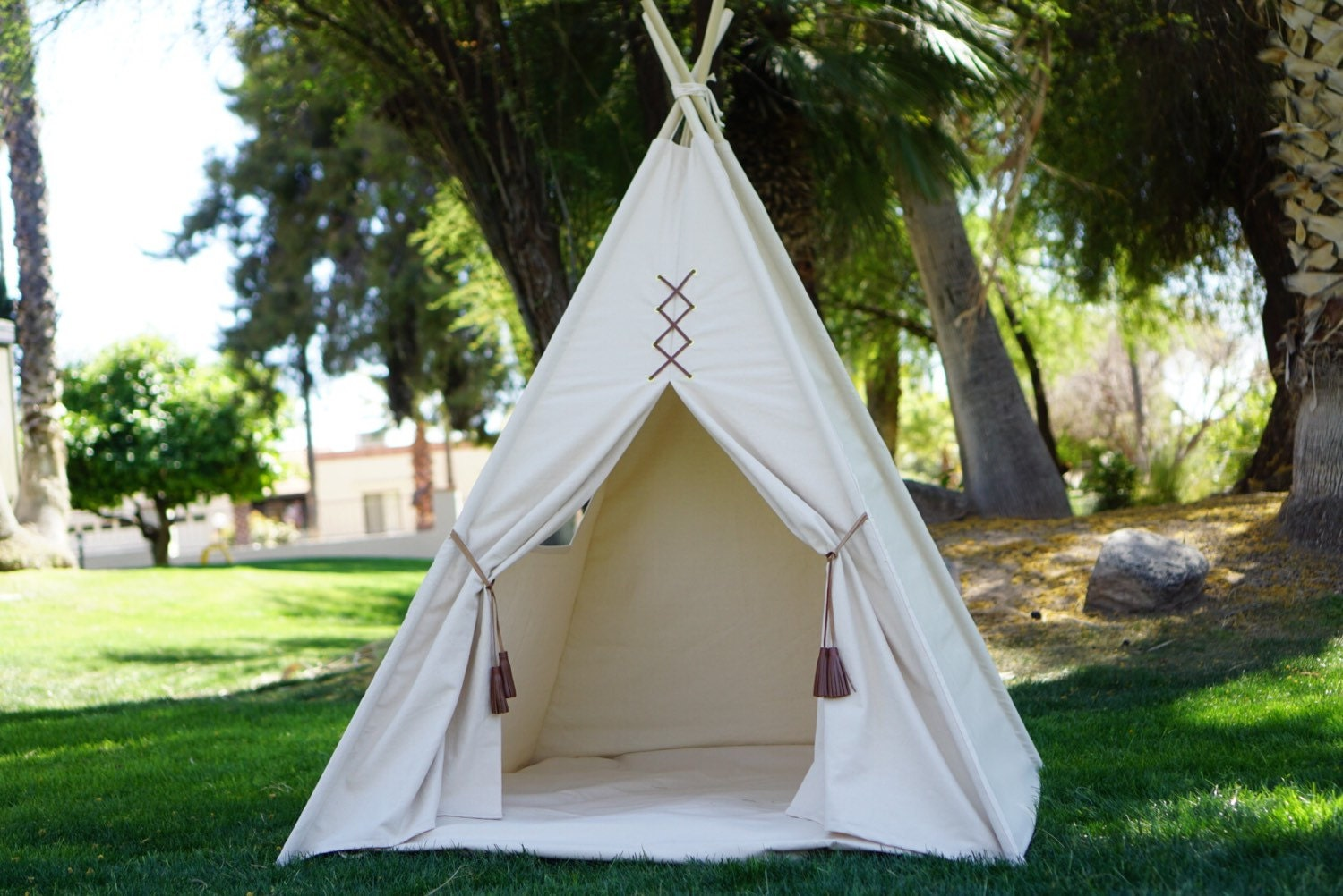 Teepee Original teepee kids Teepee tipi Play tent wigwam or playhouse with canvas and leather tassel Door Ties & Teepee Original teepee kids Teepee tipi Play tent wigwam or ...