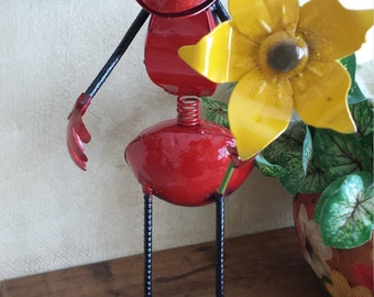 A sympathetic Ant and an excellent decoration for home and office