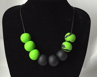 Green statement necklace. Lime green, black necklace. Big bold chunky necklace. Polymer clay beads necklace. Bright design Modern necklace