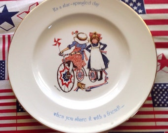 Holly Hobby, Bicentenial, Americana, midcentury, Freedom Series, 4th of July, Decorative, collectible, plate