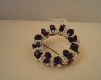 Vintage jet and bead brooch
