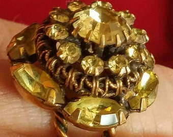 Gorgeous Vintage ring from the seventies.  Golden crystals.  Adjustable.