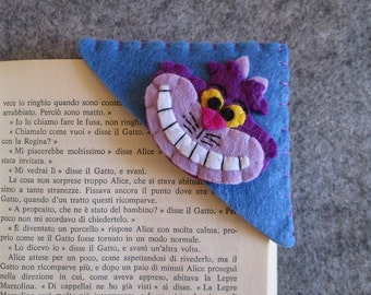 Corner Bookmark; Cheshire Cat bookmark; Alice in Wonderland bookmark; Felt bookmark; Gift for readers; Back to school; handmade bookmark