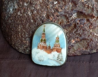 Vintage brooch hand painted on shell