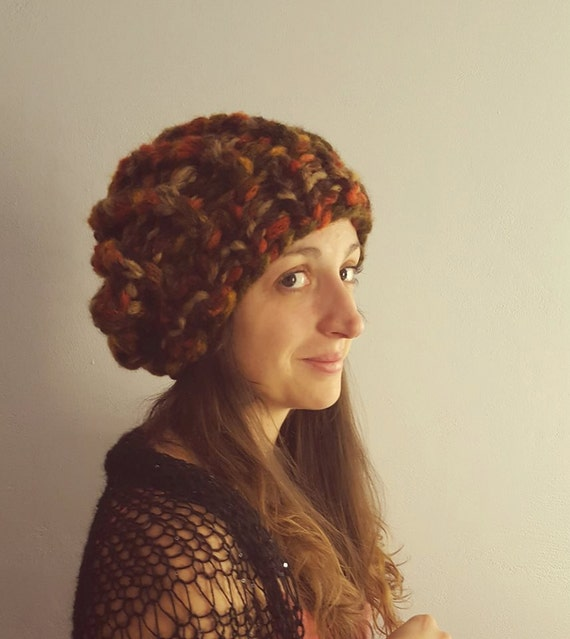 NEW Woolen hat / beret / beanie. Hand knitted woolen hat / beret made by warm thick yarn. Available in nine (9) fantastic winter colors.