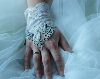 Clearance 30% ivory lace, wedding lace sleeve cuff