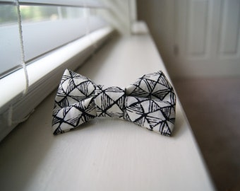 Black and White Geometric Bow