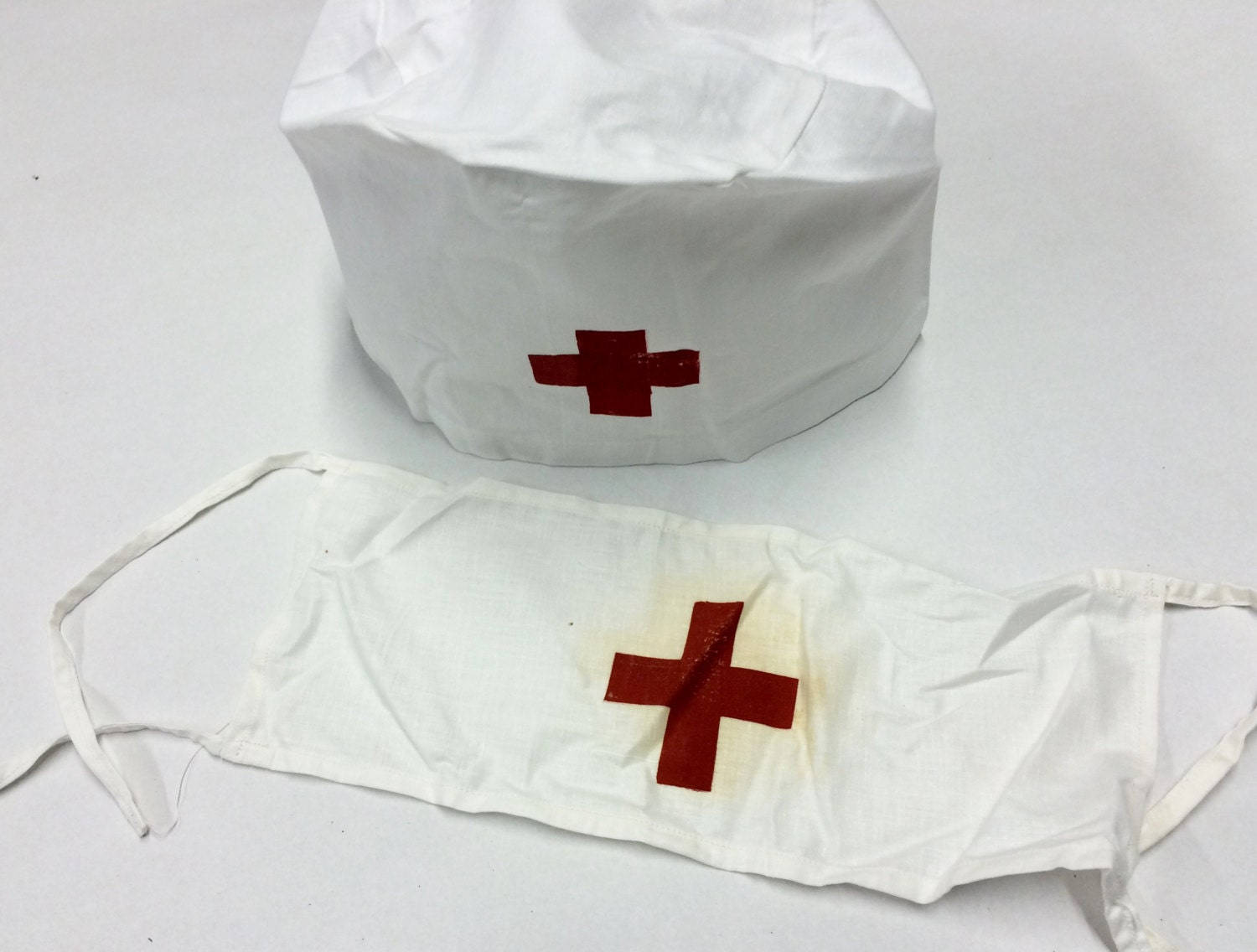 White pinafore apron nurse - Vintage Medical Red Cross Hat Cap With Red Cross Armband Doctor Cap Nurse Surgeon White Cotton Hat Doctor Nurse Costume Wedding Hangover