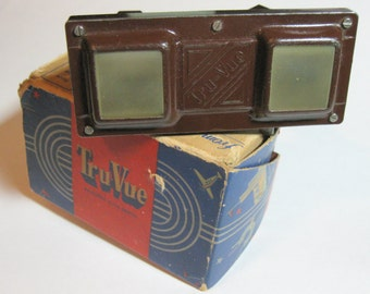 Vintage Tru-Vue Stereoscopic Photo Viewer, antique from the 1940's, 3D pictures