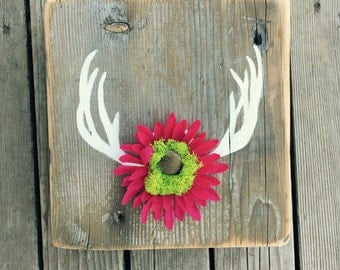 On sale Antler flower sign//Wood Art//Antler Art//Antler Decor//Antler And Flowers//Reclaimed Wood Sign//Antler Nursery Decor//Shabby Chic
