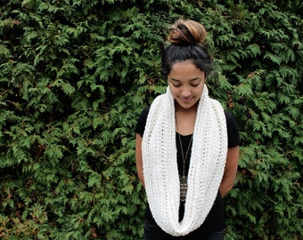 BLISS INFINITY SCARF | Cream