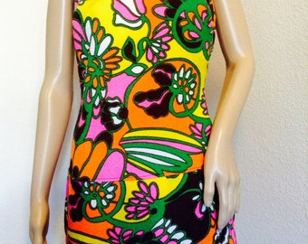 Vintage 60s ULTRA MOD PSYCHEDELIC Swimsuit 36-28-34 one piece backless skirt!  Super Groovy!