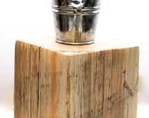reclaimed wood tea light candle holder. mini galvanized pail. salvaged wood candle holder. garden party decor. outdoor candle holder.