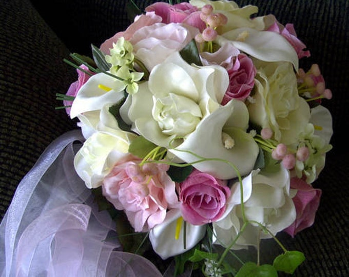 Silk round bride bouquet made of ivory and pink roses ,calla lillies 17pcs