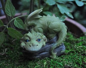 Hear No Evil Dragon+Fairy Garden Miniatures+Fairy Figurine+Fairy Garden Accessories+Fairy Garden Supplies