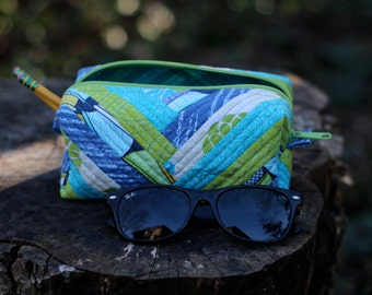Blue, Green, and Yellow Medium Quilted Zipper Case, Pencil Pouch, Pen Bag, Make-up Case, Accessory Storage Organizer, Essential Oils Case