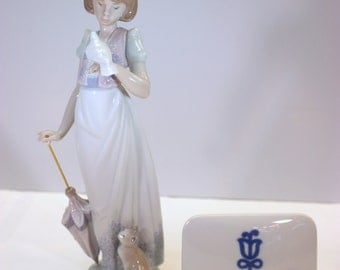 """JUST REDUCED Summer Stroll - Lladro porcelain figurine 1991 #7611 - 9"""" tall - mint condition COLT10002"""