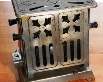 """Vintage Made Rite Model A842 Style 'Flopper"""" Toaster        01010"""