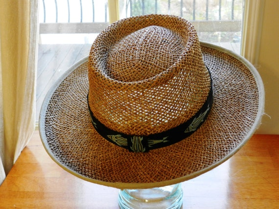 Columbia sportswear livin large straw hat with fish head band for Fishing straw hat