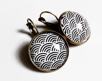 dangle earrings * Japanese waves * style retro vintage black geometry white, cabochon glass