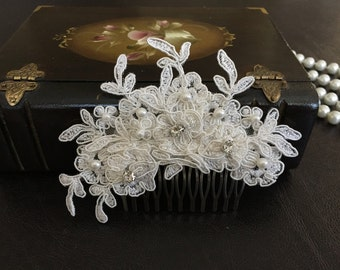 Bridal Hair Accessories, Wedding Head Piece, Ivory  Lace, Comb