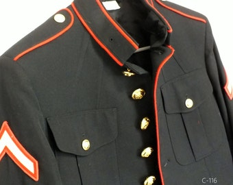 US marines private first class uniform coat jacket size 38 S, CHEVRONS attached