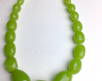 Graduated faceted oblong green chalcedony beads