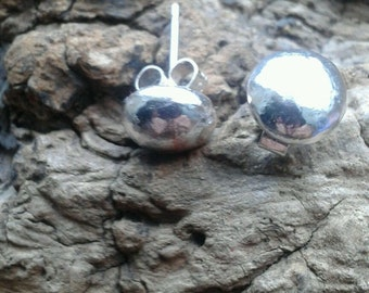 Beautiful Handmade 925 Sterling Silver Earrings /Studs Solid Silver Balls SELLER AWAY UNTIL 28/6/17 item to be dispatched after this date.