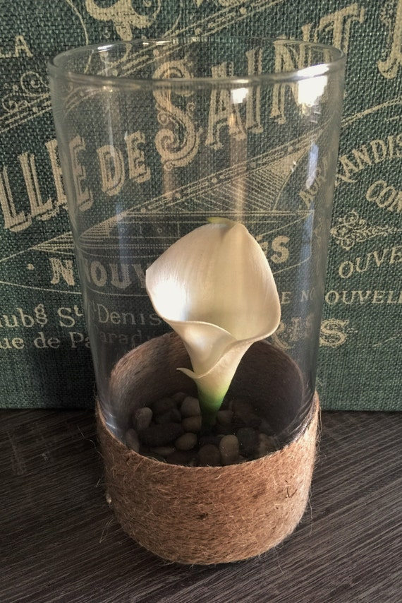 Rustic Wedding Centerpiece- Twine Wrapped Vase/Calla Lily/River Rock