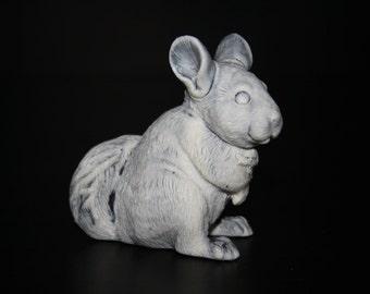 Figurine chinchilla of the marble chips, statuette